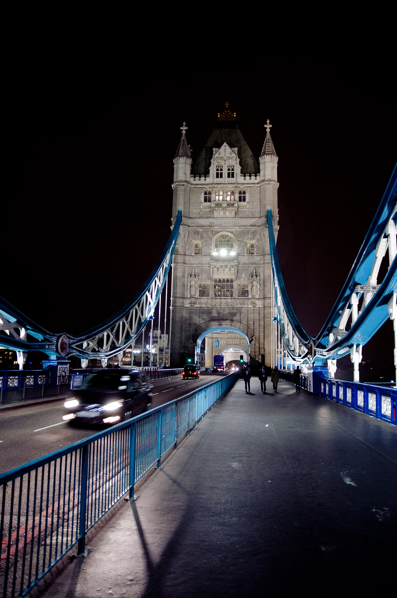 Moving: Tower Bridge IV